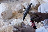 Fabrico artesanal de alabastro