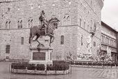 Cosme I De Médici estátua equestre por Giambologna e fonte de Neptuno por Ammannati, Florença