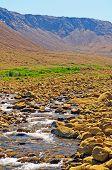Stream Entleerung ein Desrt-Tal