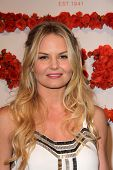 LOS ANGELES - APR 10:  Jennifer Morrison arrives at the Coach's 3rd Annual Evening of Cocktails and