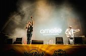 Amelie Performs At The