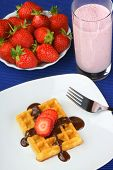 ������, ������: Waffle With Strawberry And Chocolate And A Milkshake