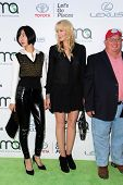 LOS ANGELES - OCT 18:  Daryl Hannah at the 2014 Environmental Media Awards at Warner Brothers Studios on October 18, 2014 in Burbank, CA