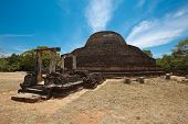pic of vihara  - Ancient Buddhist dagoba  - JPG