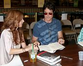 LOS ANGELES - AUG 18:  Tracey Bregman, Ronn Moss at the book signing for William Bell Biography at B