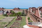 Dentro de Fort Jefferson