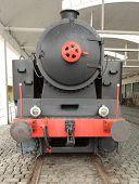 La locomotora de vapor en un ferrocarril.
