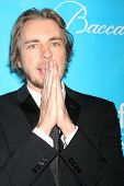 LOS ANGELES - DEC 8:  Dax Shepard arrives at the 2011 UNICEF Ball at Beverly Wilshire Hotel on Decem
