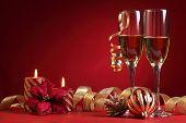 Champagne en ambiente de Navidad.