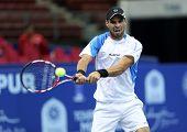 KUALA LUMPUR - SEP 27: Alejandro Falla (Colombia) se juega a su ronda 2 partido en el ATP Tour Malasia