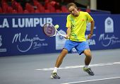 KUALA LUMPUR - 27 SEP: Alexandr Dolgopolov se juega a su ronda 2 partido en el ATP Tour Malasia abierto 20