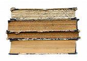 Libros antiguos aislados