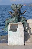 Le Sartine Statue