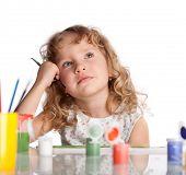 Постер, плакат: Маленький ребенок рисование краски Изолированные на белом