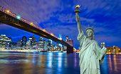 Постер, плакат: Горизонт Нью Йорка и свободы статуя Нью Йорк США
