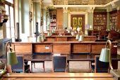 Na biblioteca