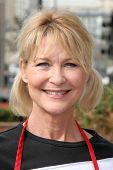 LOS ANGELES - NOVEMBER 22: Dee Wallace at The Los Angeles Mission Thanksgiving Meal for the Homeless