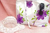 The  Women Bag With Sun Hat