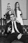 foto of threesome  - A guy and two girls in the room - JPG