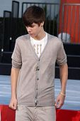 LOS ANGELES - JAN 26:  Justin Bieber at the Michael Jackson Immortalized  Handprint and Footprint Ceremony at Graumans Chinese Theater on January 26, 2012 in Los Angeles, CA