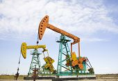 picture of oil drilling rig  - oil pump jack - JPG