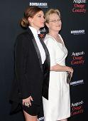 LOS ANGELES - DEC 16:  Julia Roberts & Meryl Streep arrives to the