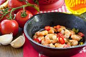 Garlic Shrimps With Chili Peppers