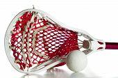 Cabeça de Lacrosse branco com bola cinza e vermelho de engrenagem
