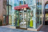 Bcbg Max Azria Retail Store Exterior
