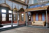 pic of harem  - Harem room in Topkapi palace Istanbul Turkey - JPG