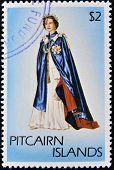 Ilhas PITCAIRN - CIRCA1977: Um selo imprimido em ilhas Pitcairn mostra um retrato da rainha Eliz