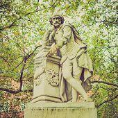 Vintage Look Shakespeare Statue