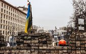 Barricade In A Day Of Mourning For Those Killed In Kiev