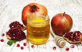 Honey  Apple And Pomegranate