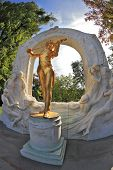 Monument. Magnificent statue of Johann Strauss in Vienna
