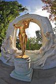 Monument. Magnificent statue of Johann Strauss in Vienna