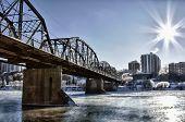 Ponte sobre o Rio gelado