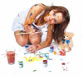 image of dessin  - Happy girl stained in paint drawing dessin - JPG