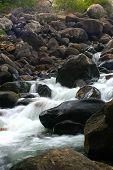 Fluss Felsen