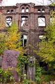 Ruínas de casa histórica em Varsóvia