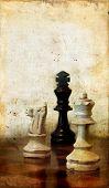 Piezas de ajedrez sobre un fondo Grunge