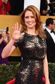 LOS ANGELES - JAN 27:  Jenna Fischer arrives at the 2013 Screen Actor's Guild Awards at the Shrine A
