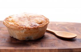 picture of pot roast  - meat pie made with roast beef in a savoury gravy - JPG
