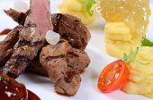 picture of veal  - Tenderloin of veal with sauce of figs - JPG