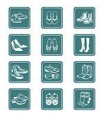 Colección de típico casual, calzado de deporte y moda para todas las estaciones.