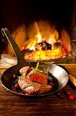 Rindfleisch-steaks