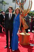 LOS ANGELES - 10 SEP: Zak Henri, Brenda Strong aankomen bij de viering van L.A. kunsten maand in Ca
