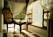 5871 Oriental Lounge