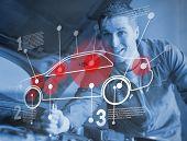 Mecânica automóvel reparing enquanto consultoria interface futurista em azul