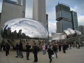 Cloud Gate sculpture in Millennium Park in Chicago